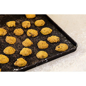 Gialletti cookies with walnut